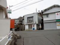 長崎三原郵便局の前_01