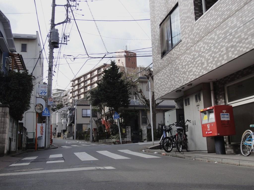 ポスト写真 :  : 大坂下 : 神奈川県横浜市南区八幡町72
