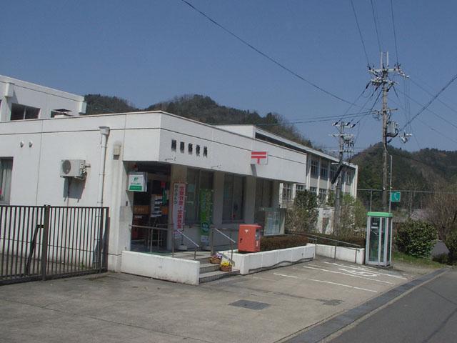ポスト写真 : 岡田郵便局前1(2009/04/11) : 岡田郵便局の前 : 京都府舞鶴市岡田由里17-5